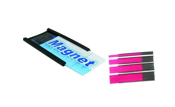 Magnetický C-profil s papírem